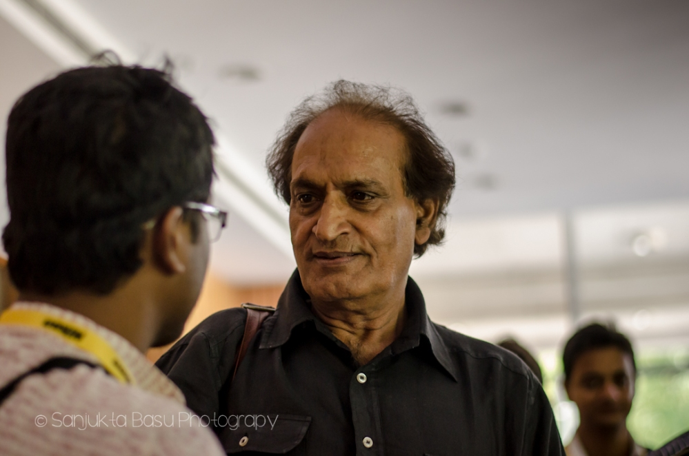 Raghu Rai speaking to the participants after the workshop
