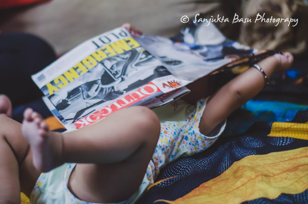 Rosa reading magazine