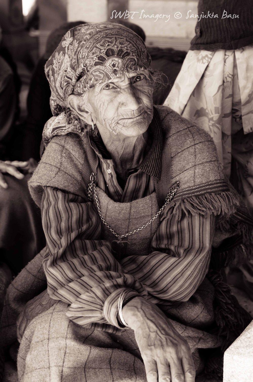 old women bnw