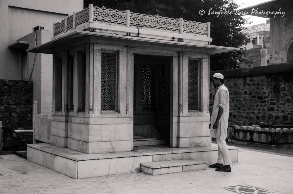 mirza-ghalib-tomb