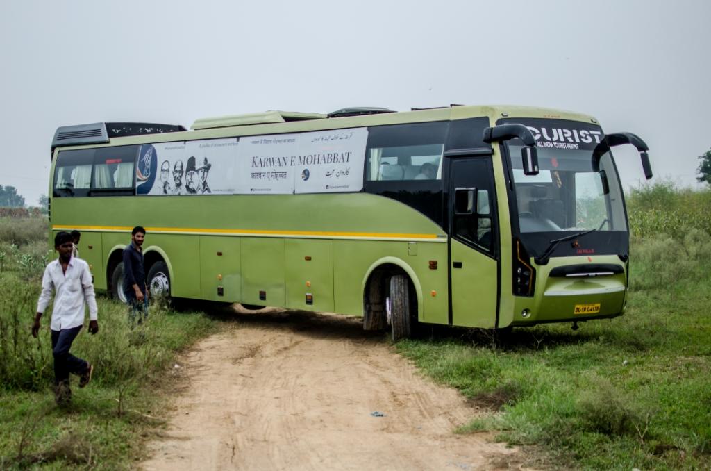 Karwan bus compressed